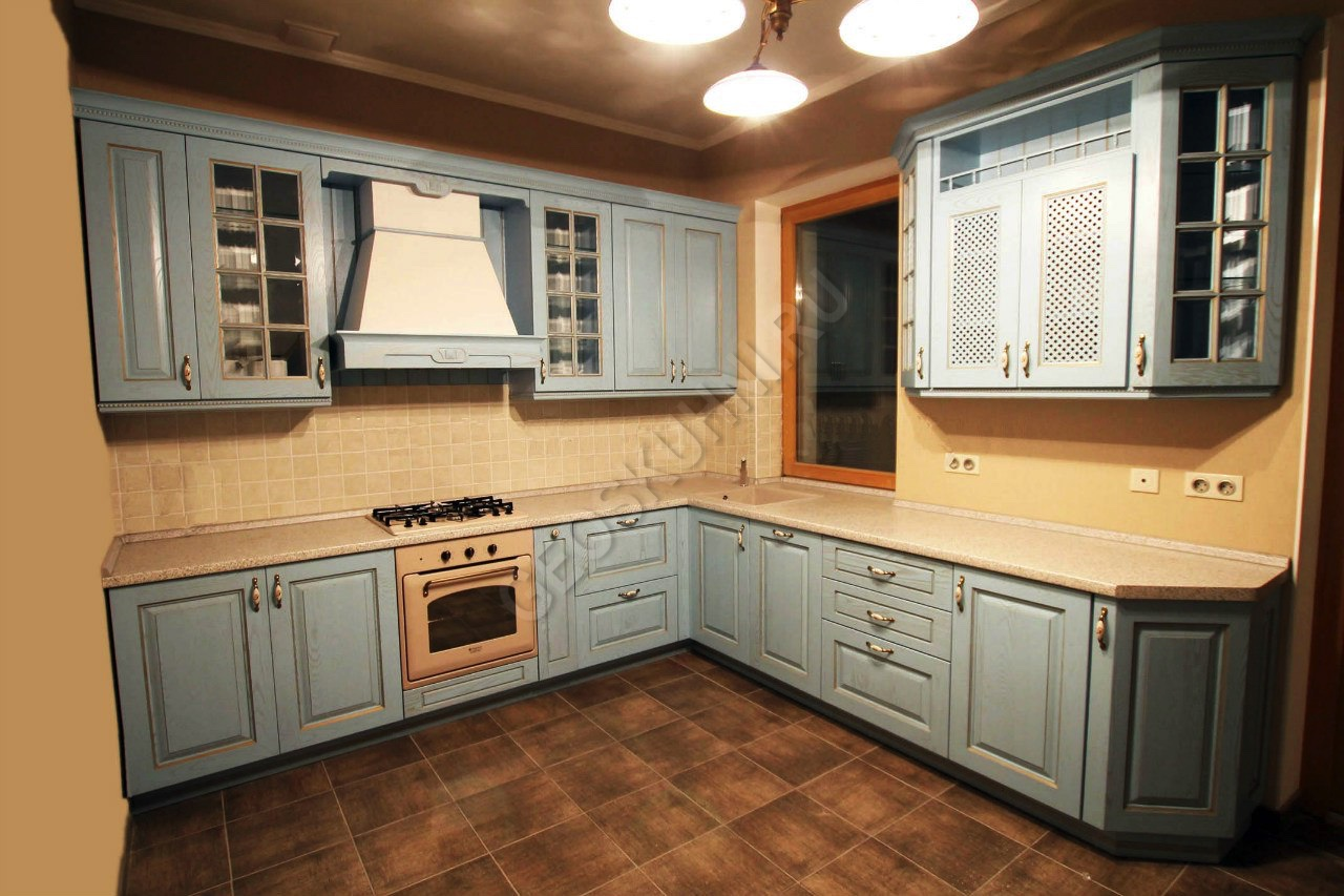 Классическая кухня Симона из массива ясеня